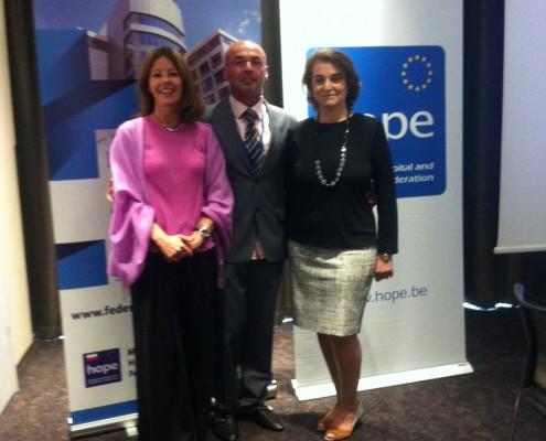 Dr. Sara C. Pupato Ferrari, Predsednica HOPE-a, prof. dr Georgios Konstantinidis i Dejana Ranković