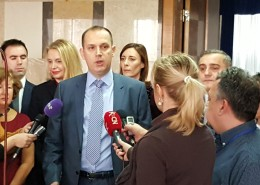 Ministar zdravlja i predstavnici Izvršnog odbora Asocijacije u razgovoru sa novinarima